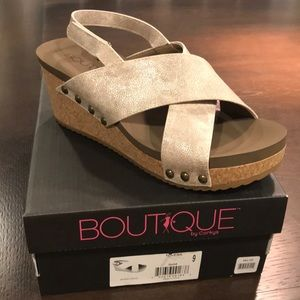 New gold wedge sandals size 9